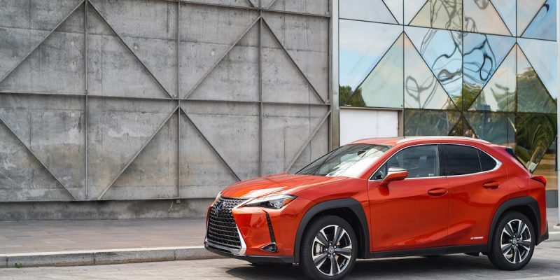 Lexus Ux Hybrid Suv Uses Predictive Braking To Recharge Batteries